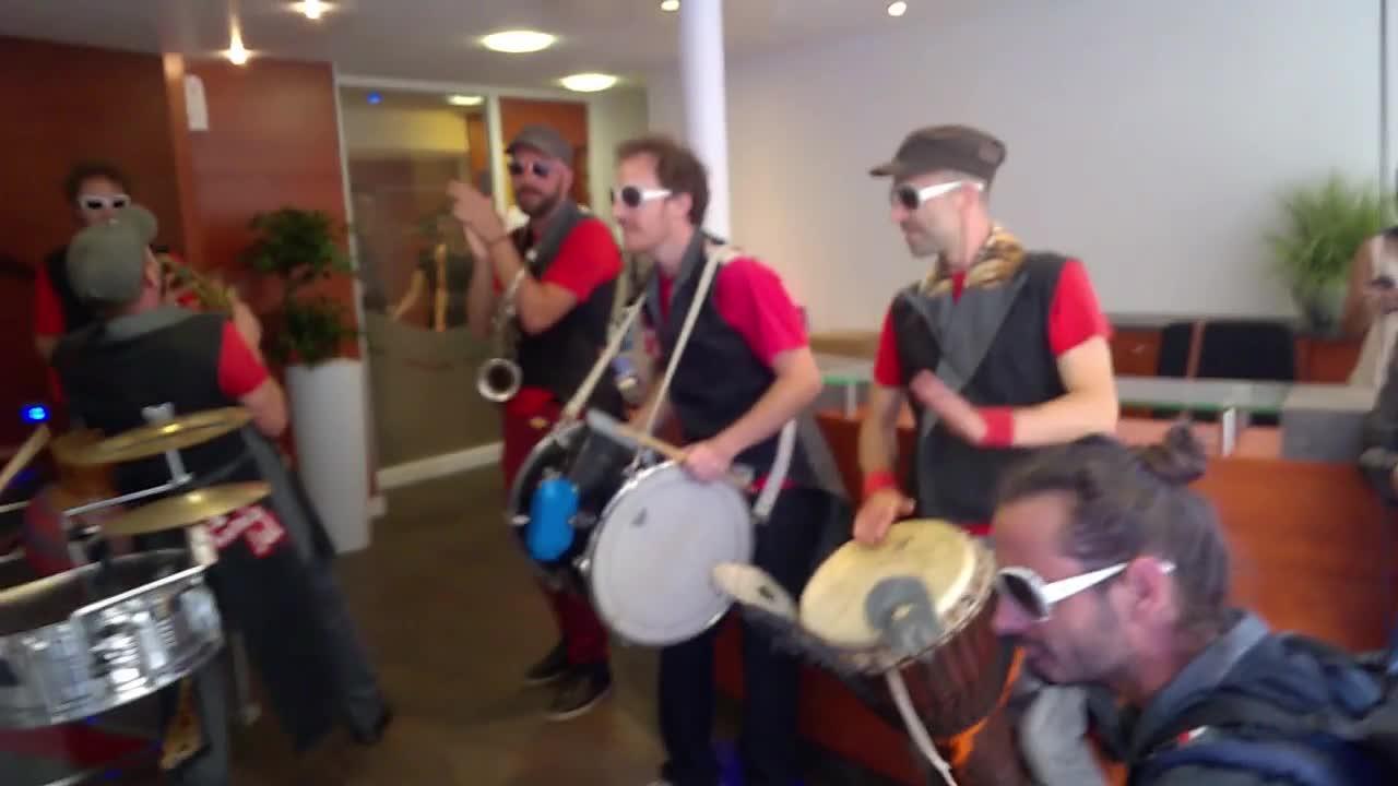 Les équipes location de Tours fêtent la musique dans la rue !